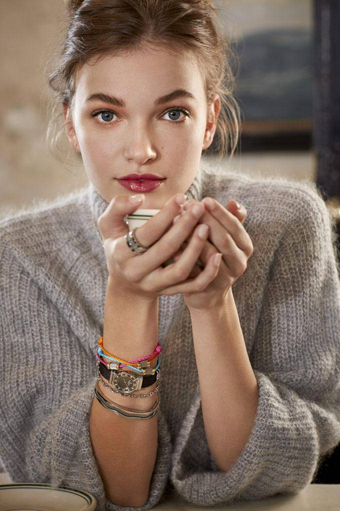 CHARRIOL-Jewelry-FOREVER-Waves-on-model
